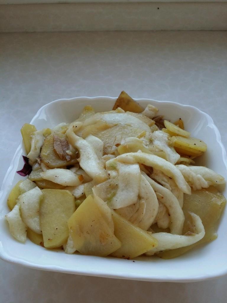 老黄瓜种炒土豆片的做法步骤
