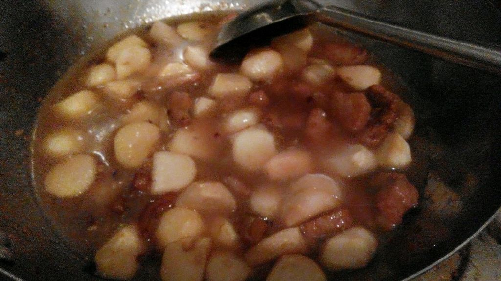 芋头炖肉—冬季暖身的做法图解5