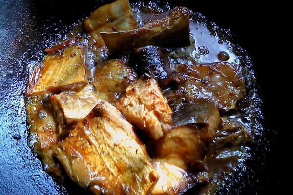 烧咸鱼的做法 烧咸鱼怎么做好吃 暖暖被窝 家常做法大全 ...