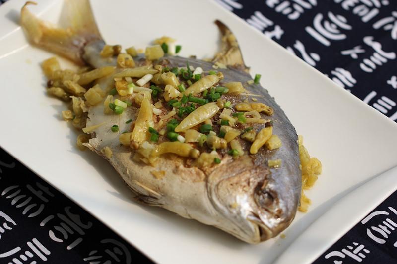 泡椒金排骨的鲳鱼微波炉烤做法用什么装