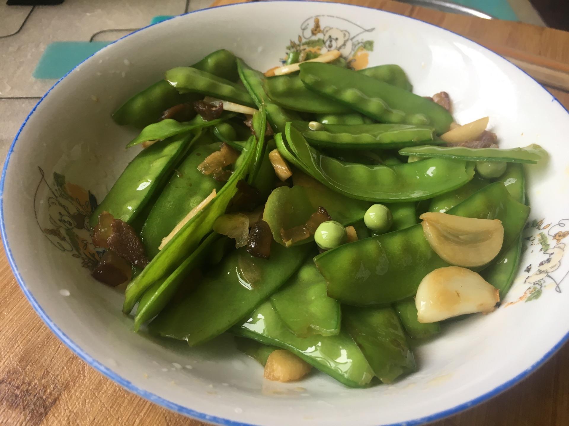 湖南腊肉炒荷兰豆的做法图解6