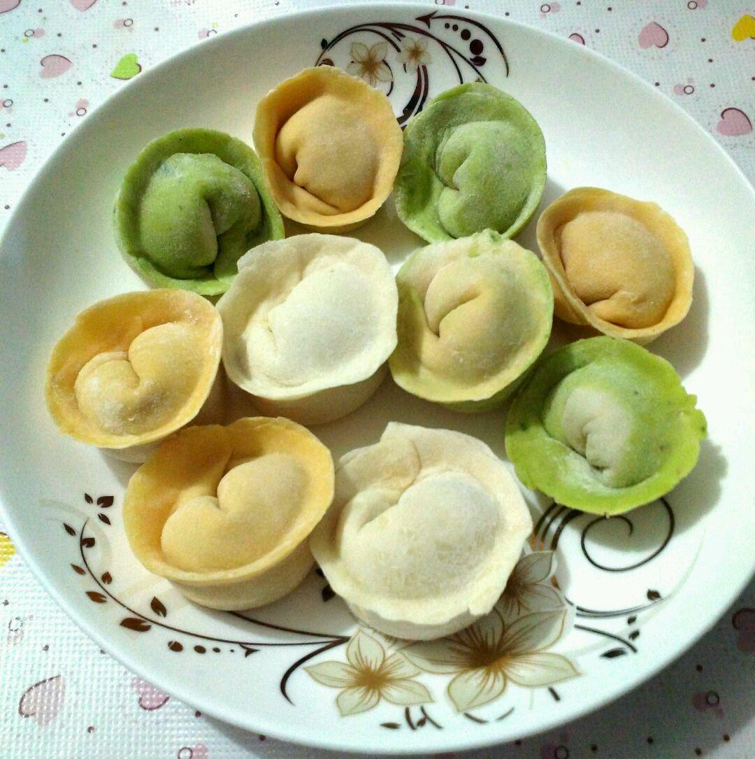 猪肉白菜元宝饺子的做法_【图解】猪肉白菜元宝饺子做
