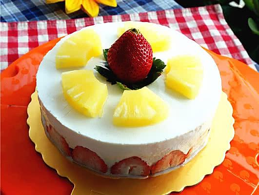 梨水果慕斯蛋糕