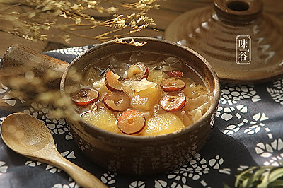 暖心暖胃的苹果银耳汤