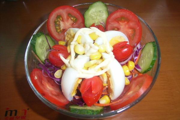 鸡蛋蔬菜沙拉的做法