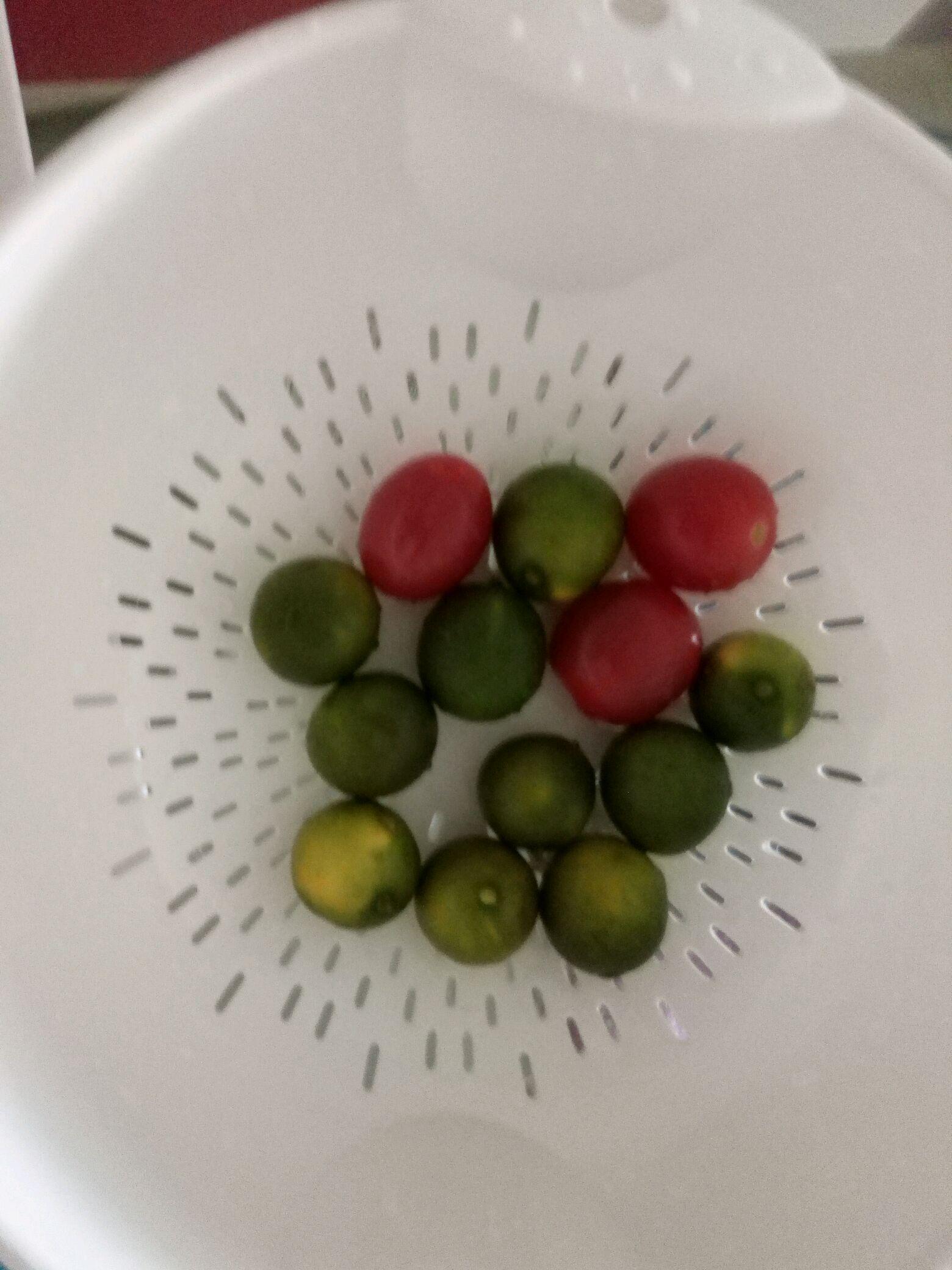 儿童水果拼盘--可爱的毛毛虫的做法