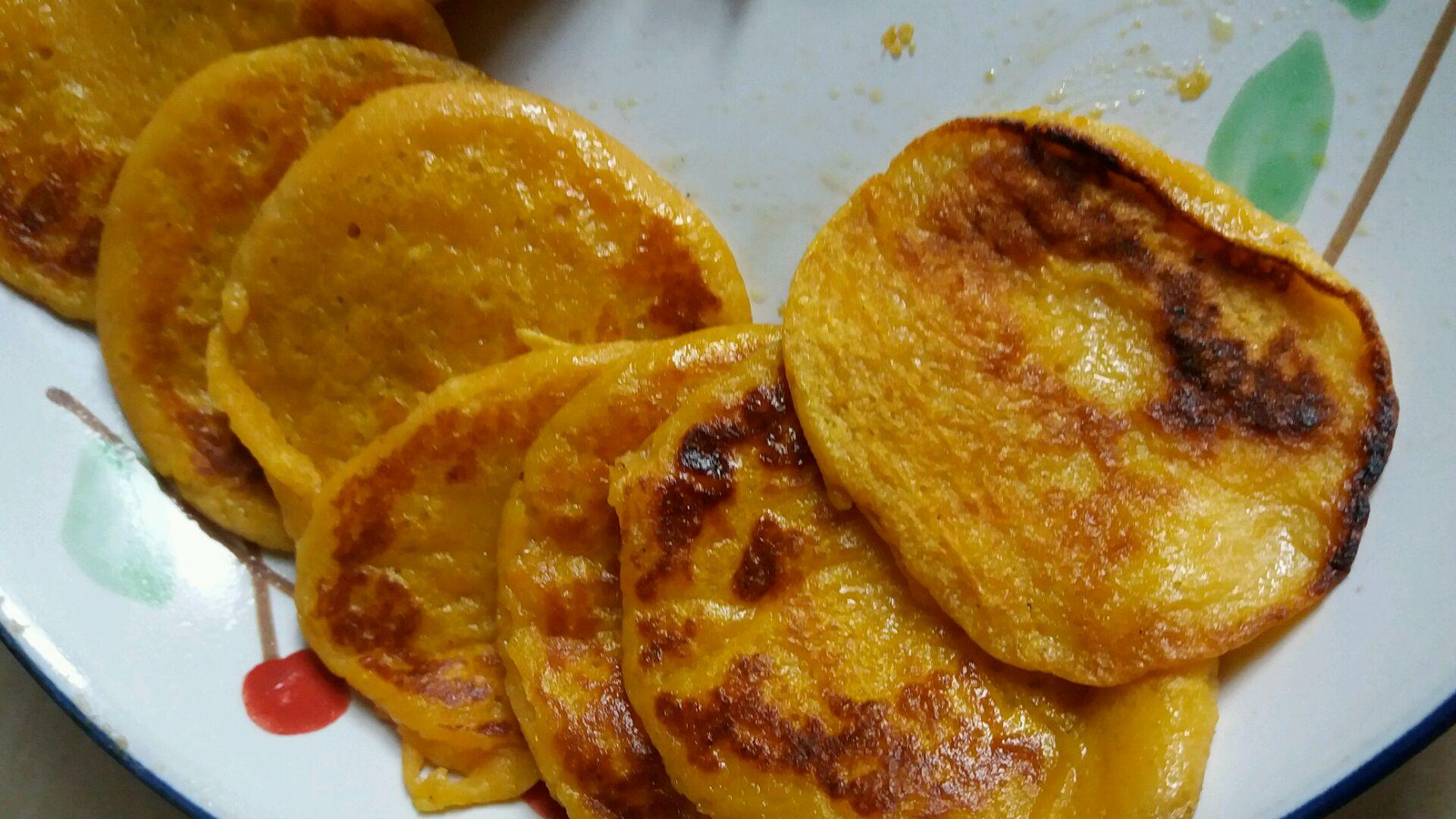 红萝卜鸡蛋蜂蜜饼的做法图解4