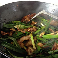 蒜苗回锅肉的做法图解9