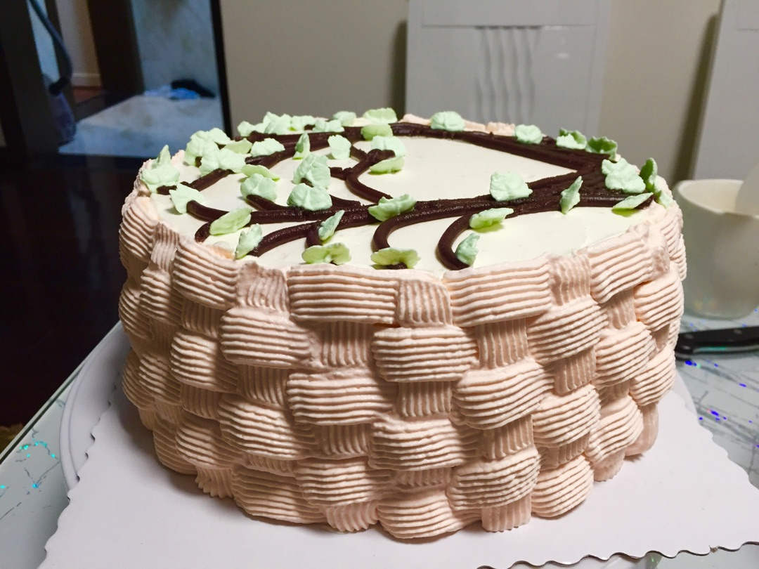 花篮蛋糕编织裱花的做法图解9