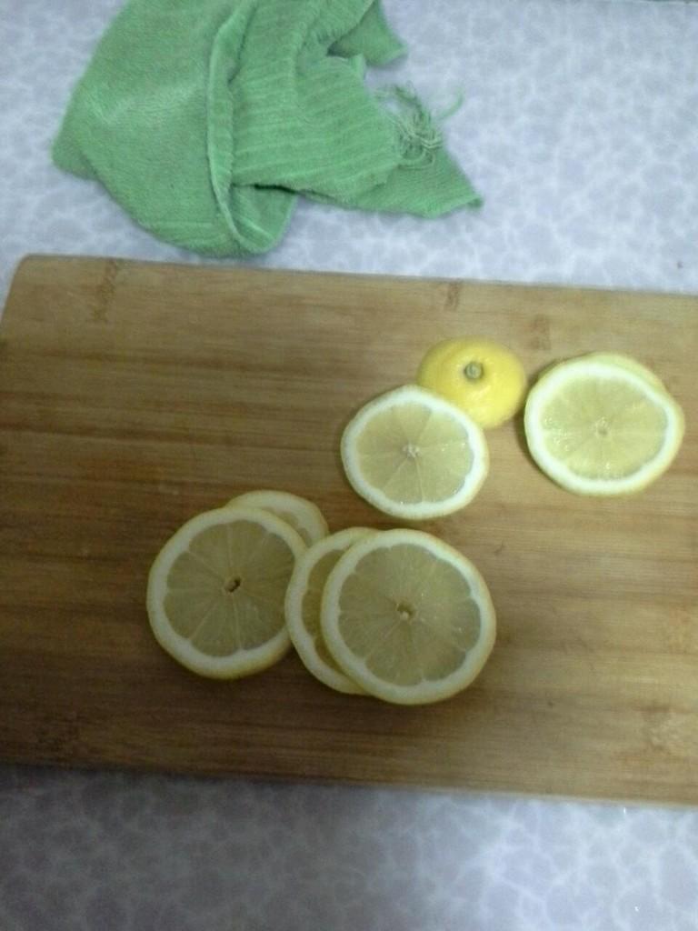 檸檬水的做法圖解1