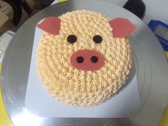 6寸奶油蛋糕(卡通猪)