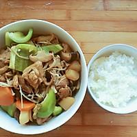 黄焖鸡米饭(说白了就是乱炖)超级好吃