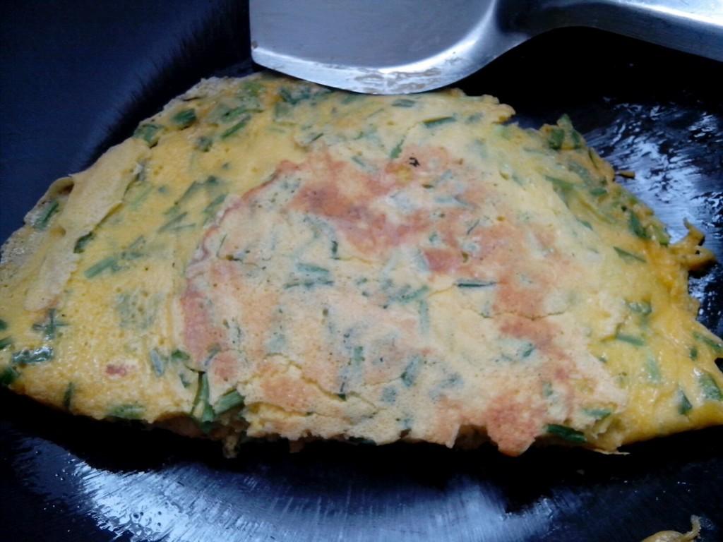 韭菜鸡蛋饼的做法图解6