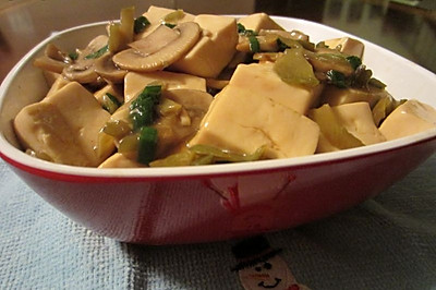 红烧蘑菇豆腐