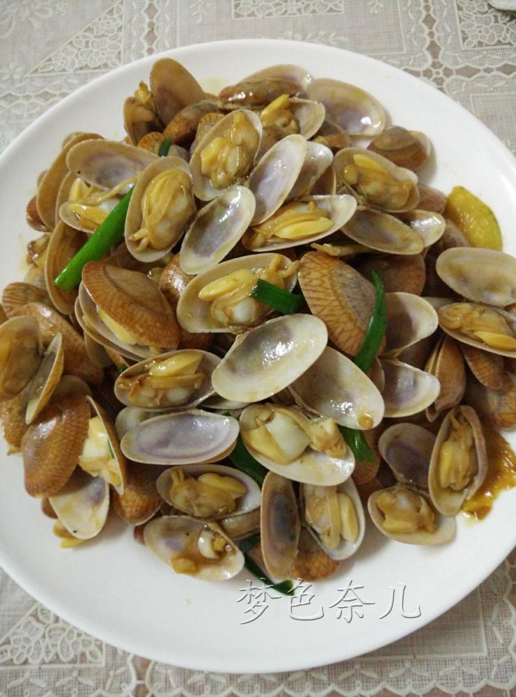 蚝油40ml 油适量 水30ml 蚝油花甲的做法步骤 小贴士 花甲不能煮长