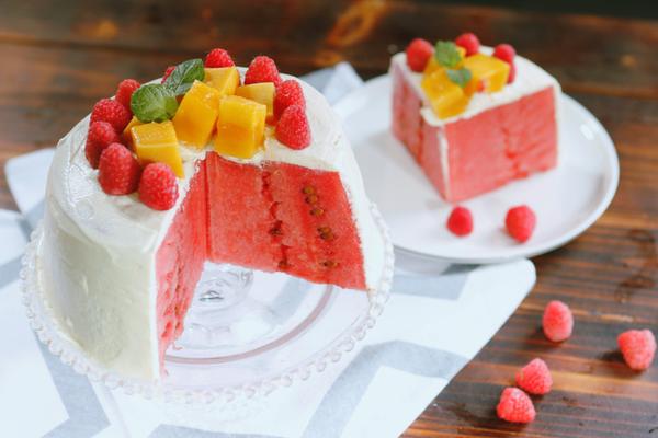 西瓜的3种吃法:西瓜蛋糕/西瓜魔方/爪爪冰棒的做法