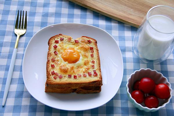 快手美味早餐:鸡蛋芝士烤土司的做法