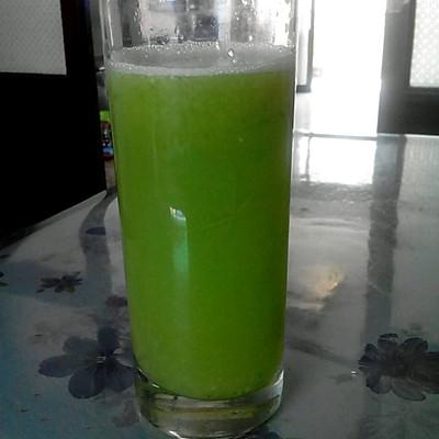 有满满一杯营养又好喝的果蔬汁,是不是很简单呢,每天来一杯还v营养喔能穿量子瘦身衣睡觉吗图片