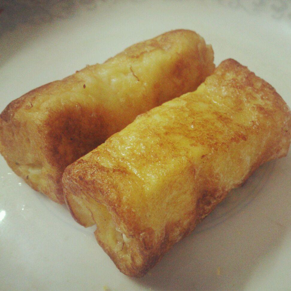 主料 一根 两片 一个 辅料  糖适量 适量 土司香蕉卷的做法步骤