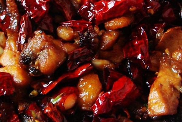 辣椒炒黄鸡的做法