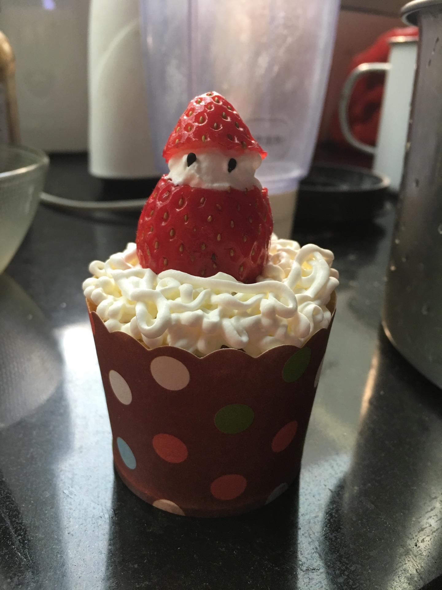 圣诞纸杯草莓蛋糕的做法图解9