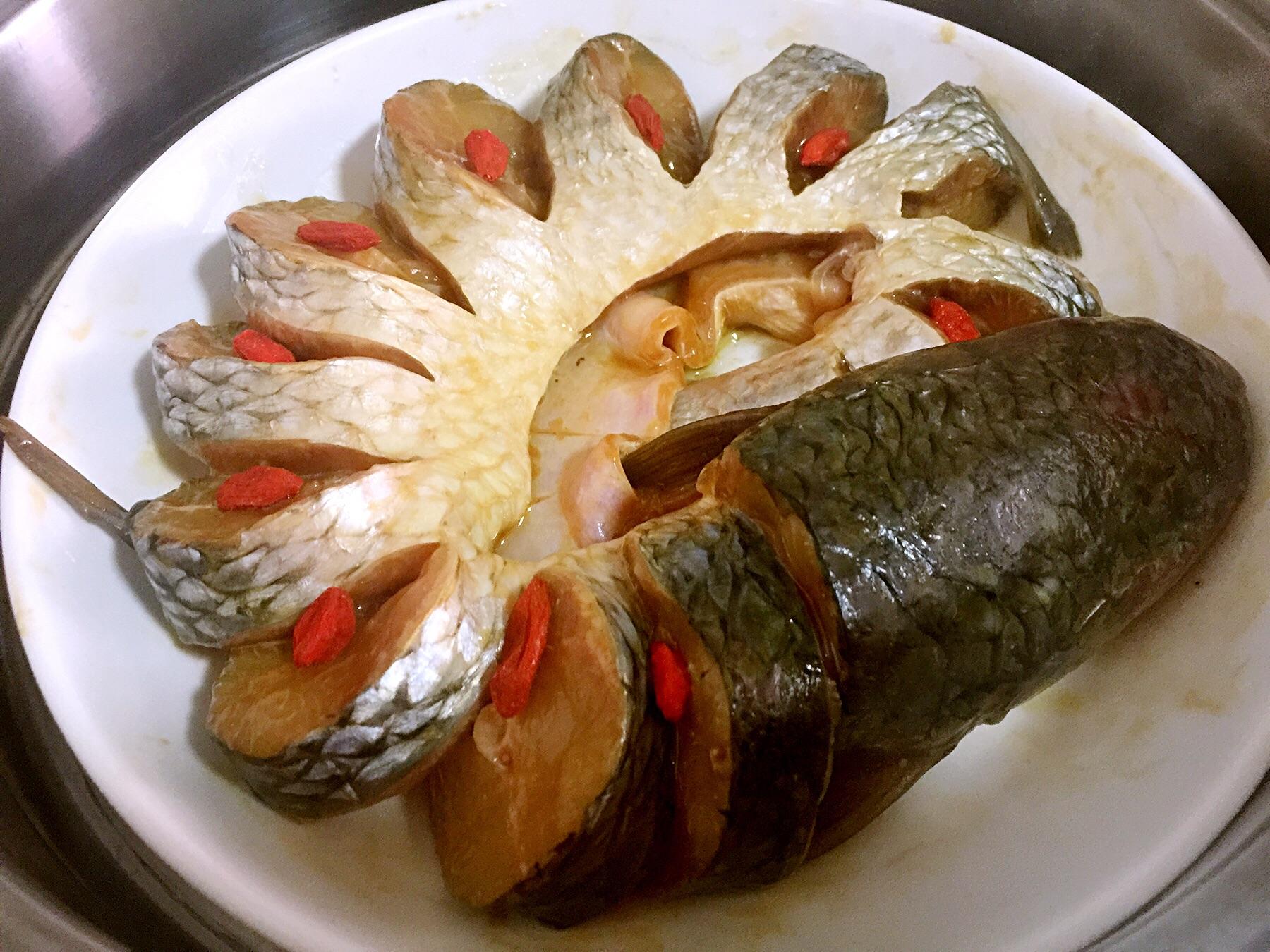 清蒸孔雀鱼的做法图解2