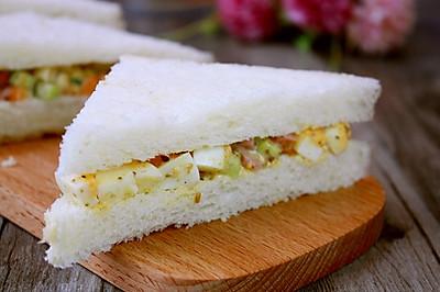 鸡蛋三明治#急速早餐#