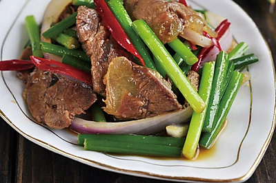 韭菜苔小炒牛肉