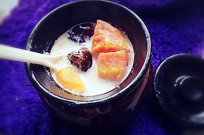 木瓜红枣炖鲜奶