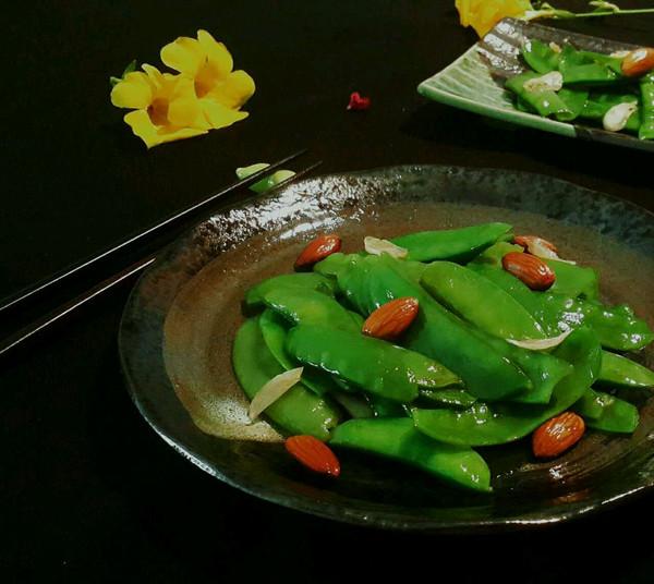 养生小炒杏仁荷兰豆