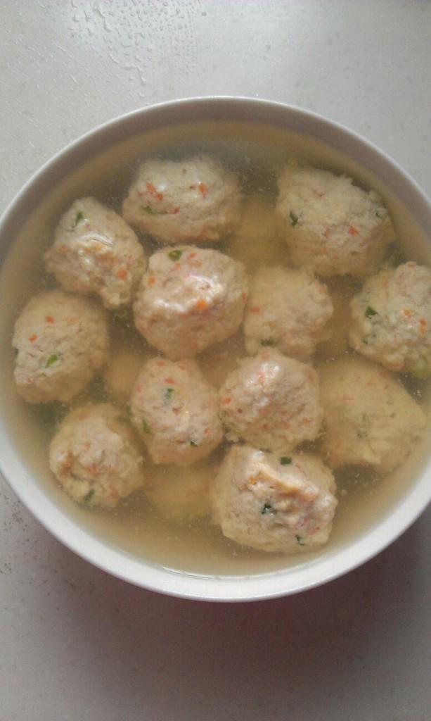 豆腐瘦肉胡萝卜丸子的做法步骤 2.