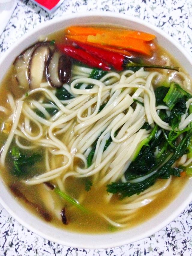 蔬菜面的做法_【图解】蔬菜面怎么做好吃_miss橘_家常
