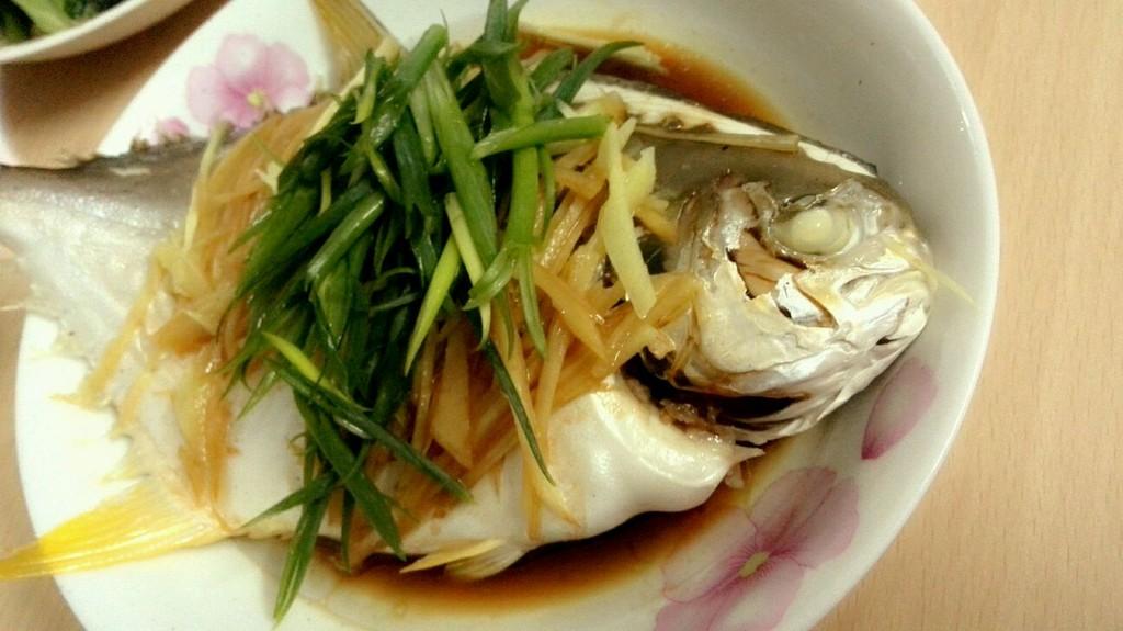 v鲳鱼金鲳鱼家常菜需要哪些配料图片