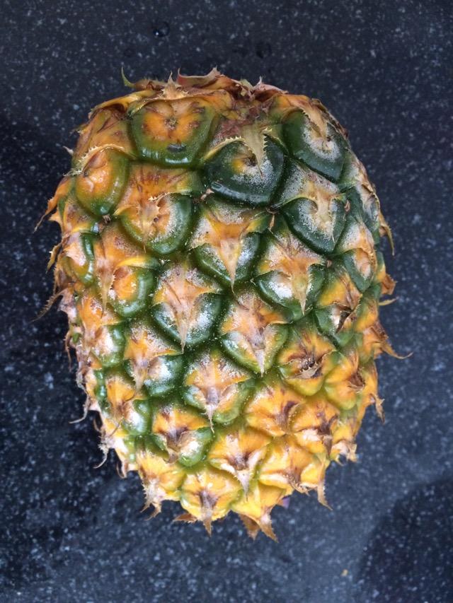 菠萝炒饭的做法图解1