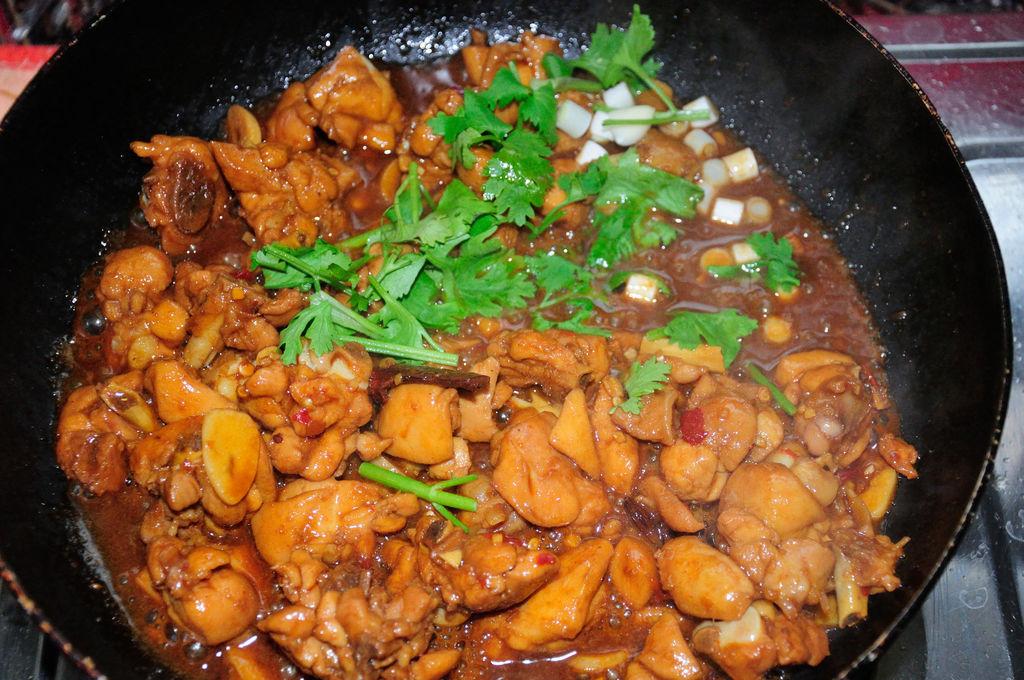 家常红烧辣子鸡块 肉嫩汁浓有秘诀 配上米饭让你吃不够的做法图解7