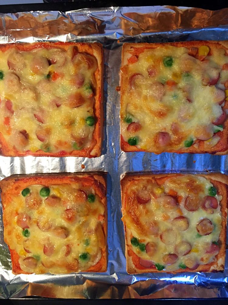 香肠土司披萨的做法步骤