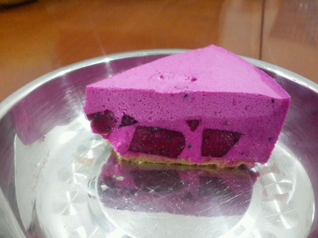 火龙果夹心慕斯蛋糕(6寸)图片