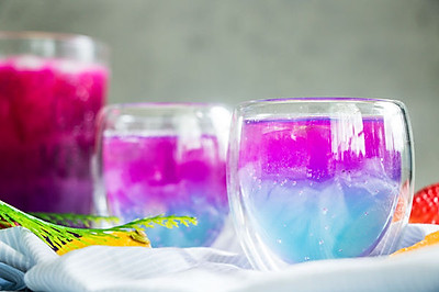 超美星空的水果气泡酒