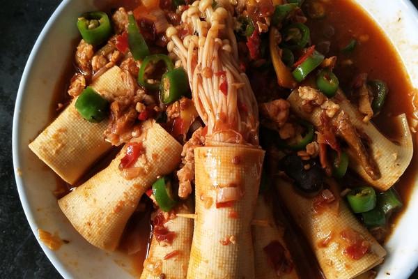 豆皮卷金针菇的做法_【图解】豆皮卷金针菇怎美食街吗深圳有什么图片