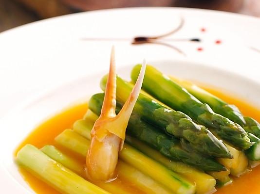 金汤松茸扒芦笋的做法