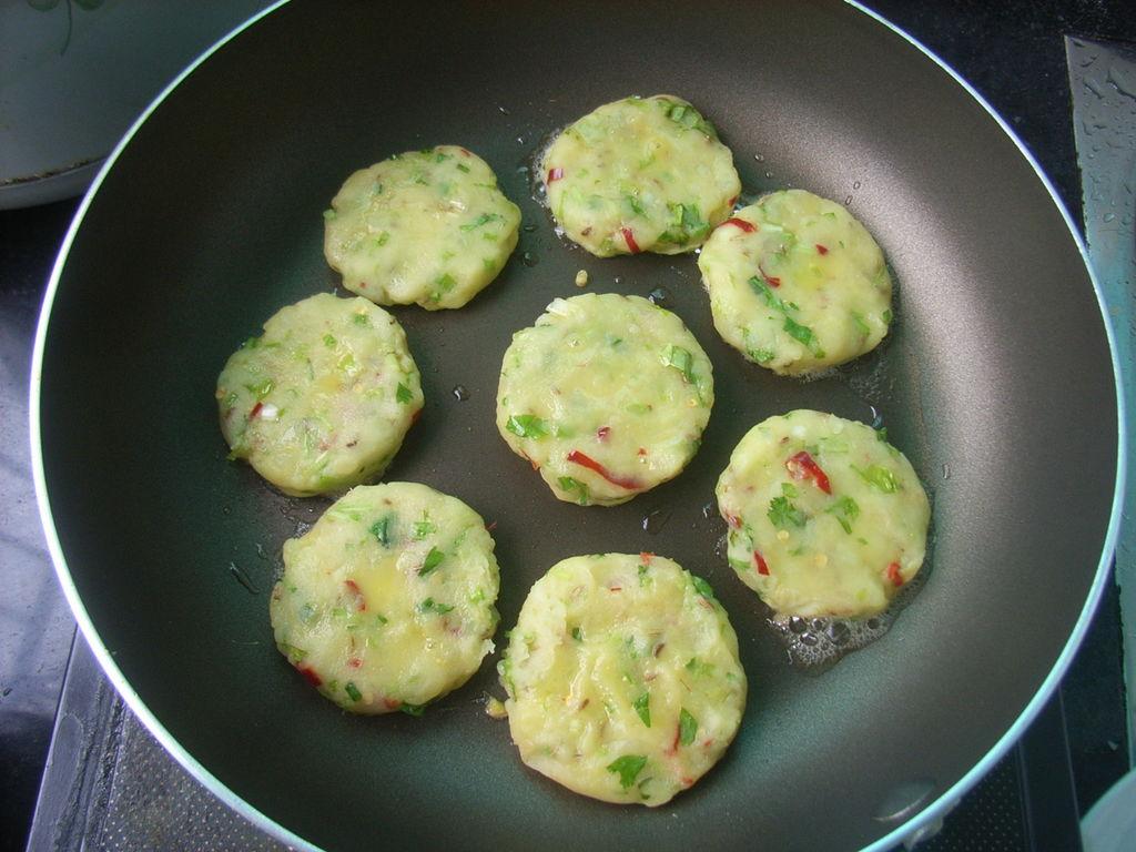 巴基斯坦土豆饼的做法图解10