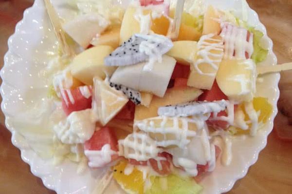 炒菜煲汤临锅时加入提鲜不口干 水果沙拉的做法步骤        本菜谱的