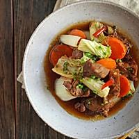 洋白菜胡萝卜炖牛肉,你看菜名你就知道今天吃啥!