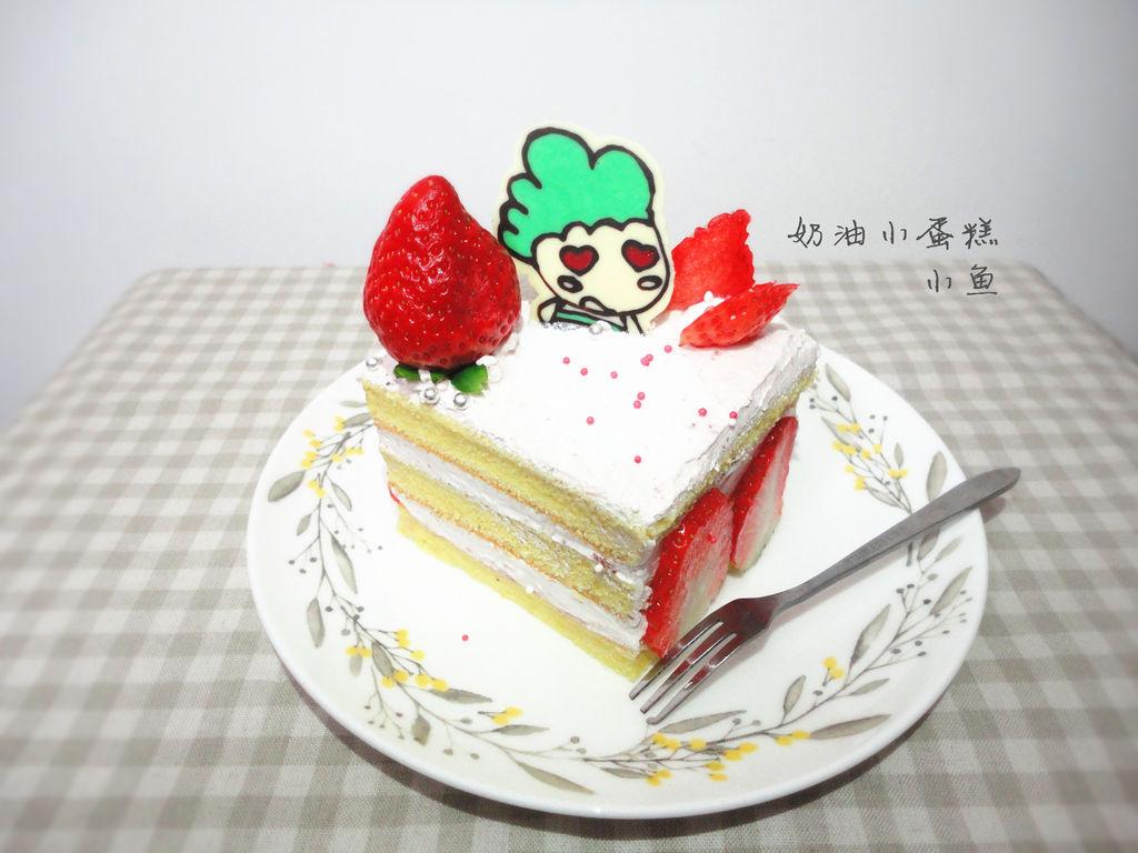 巧克力转印图案适量 草莓适量 # 九阳烘焙剧场#奶油小蛋糕的做法步骤