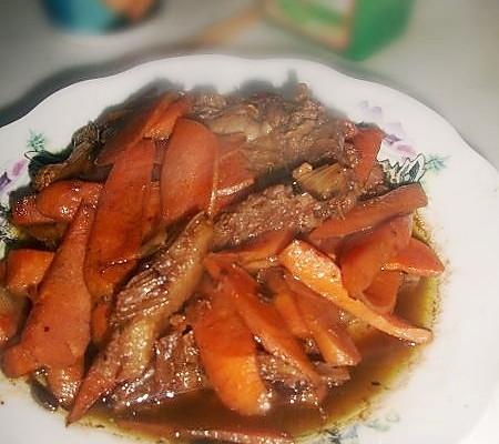 胡萝卜酱烧鸭的做法