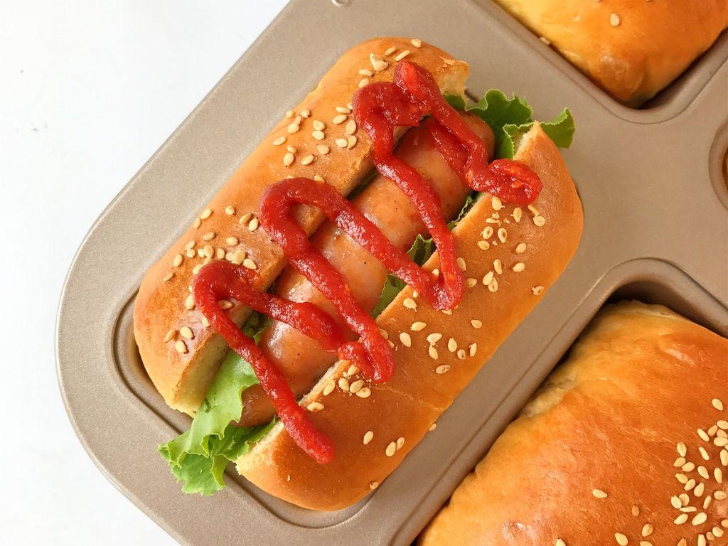 烤箱烤熱狗面包的做法_烤箱烤熱狗面包的做法_烤熱狗面包的做法