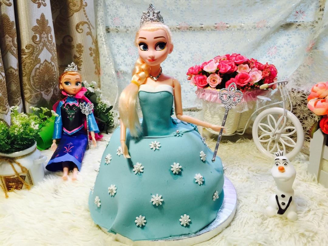 梦幻的冰雪奇缘公主翻糖蛋糕给豆果庆祝,同时也为我们母女的康复庆祝