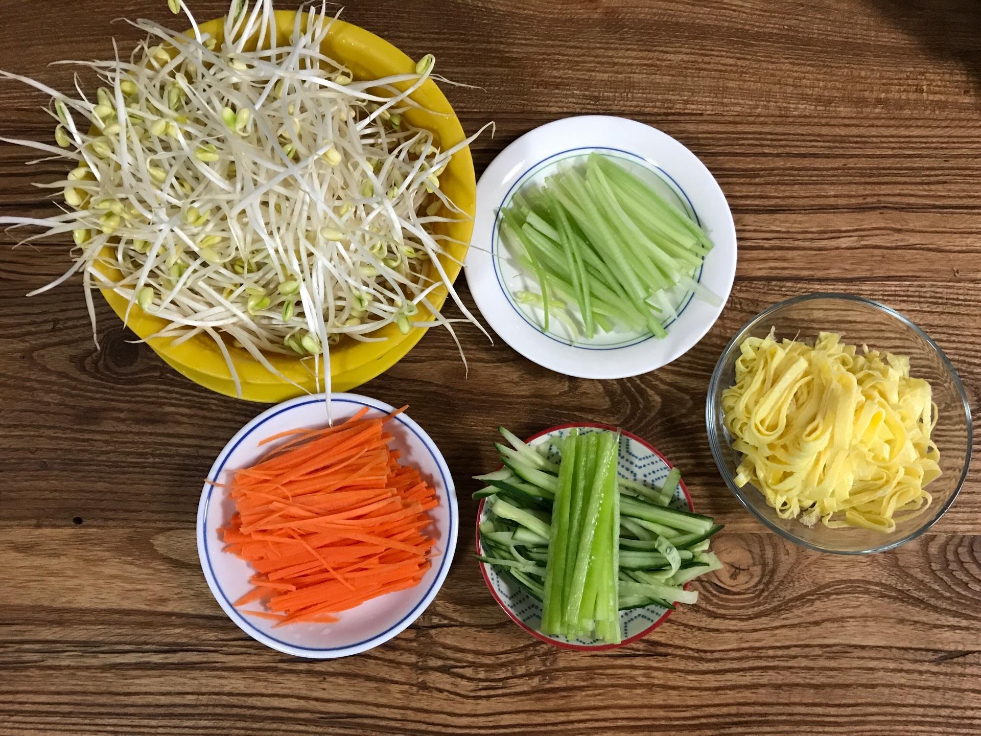 蔬菜水果粘贴画的步骤