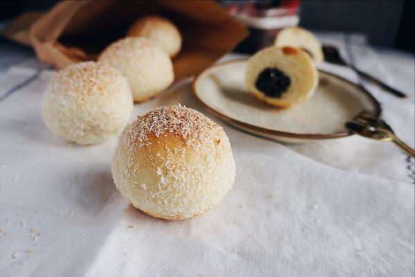 ★坚果椰蓉雪球小餐包★