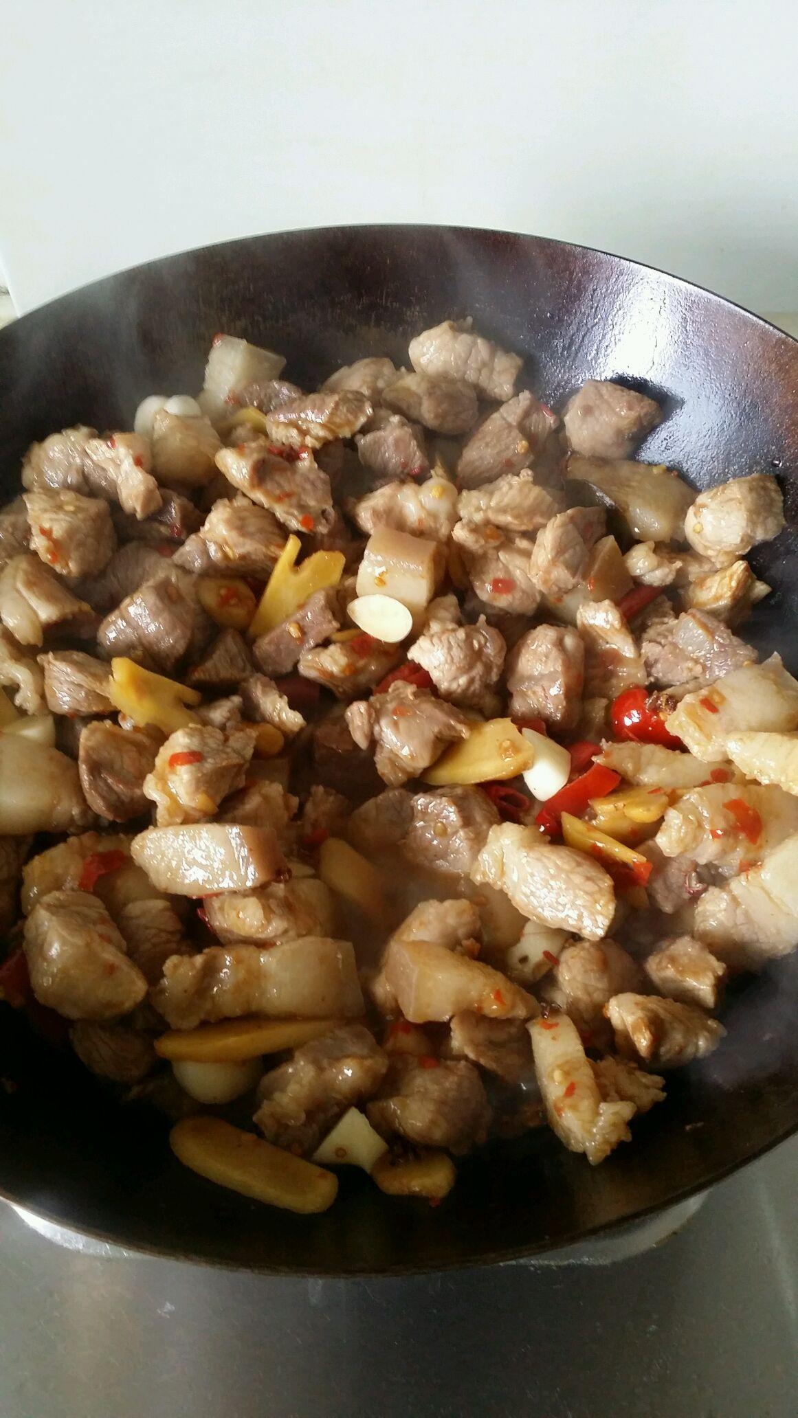 清炒蒜,泡椒泡姜,图片,豆瓣酱翻炒.倒入红豆角花椒图片